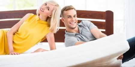 רכישת מזרונים לזוג: דילמה הזוגית